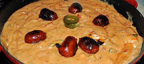 Chile-con-queso-and-mini-ch
